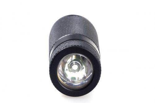 Компактный фонарь Fenix E15