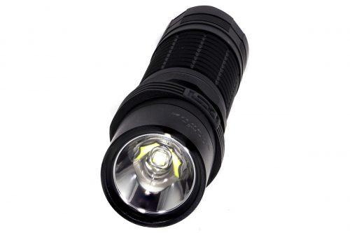 Fenix UC40UE яркий аккумуляторный фонарь
