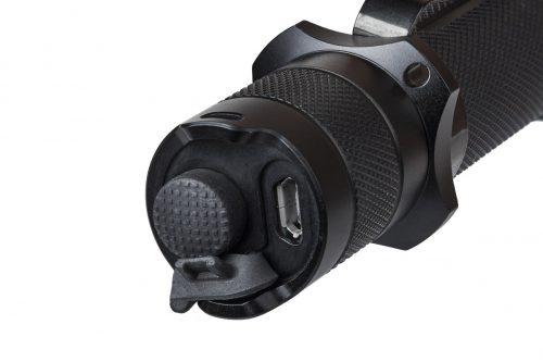Fenix TK20R - аккумуляторный тактический фонарь с подзарядкой от микро USB.