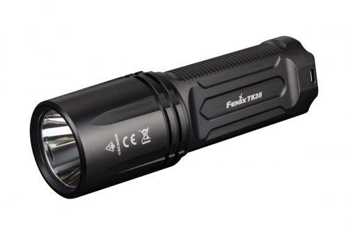 Фонарь Fenix TK35 2018 - это портативный фонарь с дальнобойным лучом, работающий от 2-х 18650 Li-ion аккумуляторов и в экстренном случае 4-х литиевых батарей CR123A. Предусмотрена возможность зарядки аккумуляторов в батарейной кассете через Micro-USB порт.